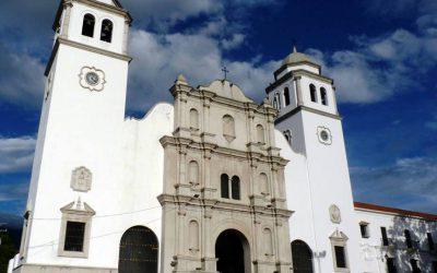 San Cristóbal: Montañas y cordialidad